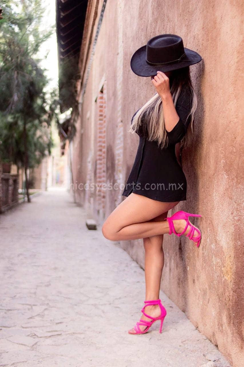 Daniela Gonzalez escort